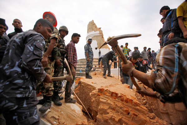 Soldiers removing debris near Dharahara tower