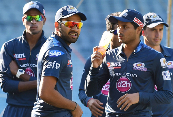 Rohit Sharma with MI players