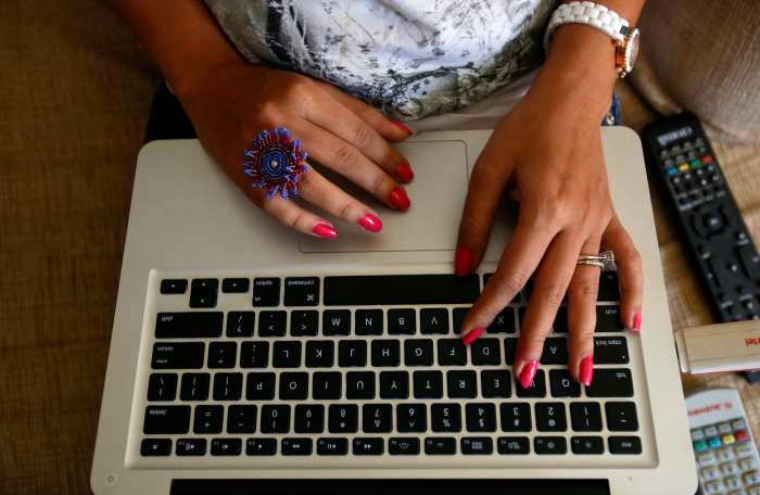 woman computer hands