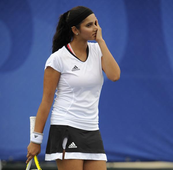 Sania Mirza grimacing