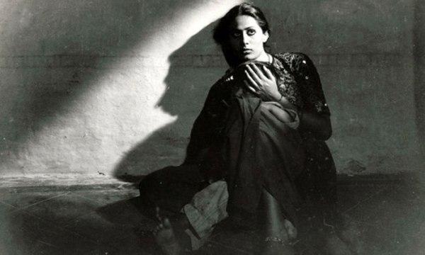 smita Patil in manthan