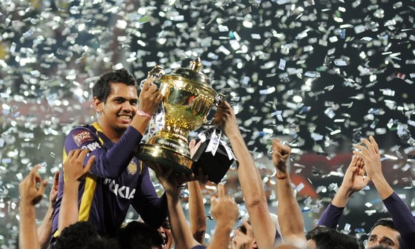 Sunil Narine with the 2012 IPL trophy