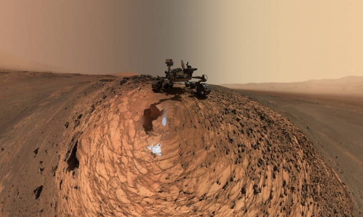NASA's Mars Rover Uses A Selfie Stick To Send Earth Its Love And A Selfie!