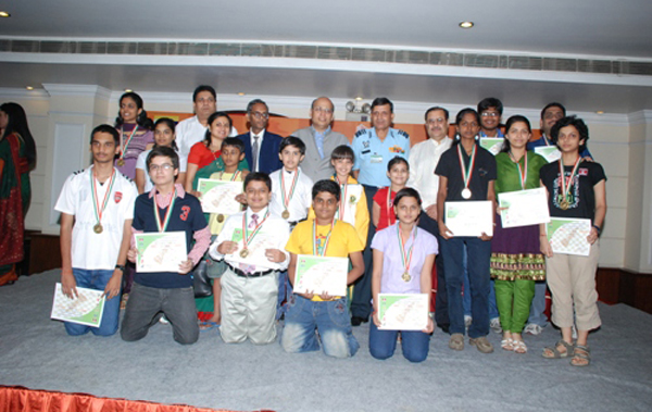 Aryan Chopra (standing in middle row)