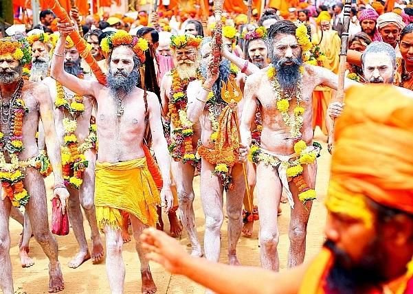 crowds at kumbh