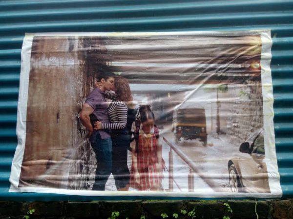 kissing posters mumbai
