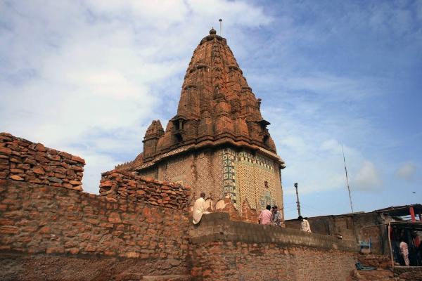 hindu temple pakistan
