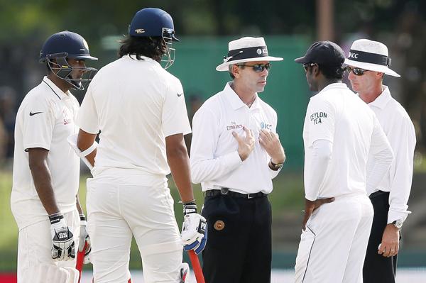 Ishant Ashwin with umpires