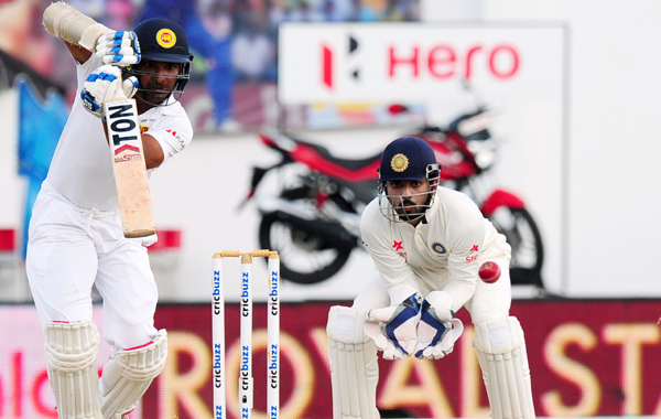 KL Rahul keeping wickets in Saha's absence