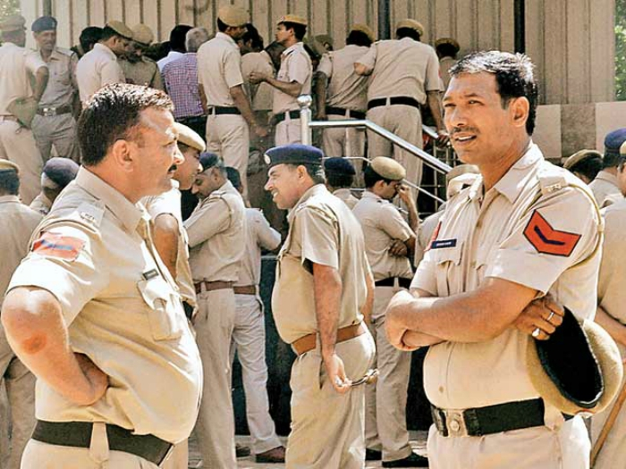 You Need No Private Eye To Snoop On Your Husband. If He Is A Haryana Cop, You Got RTI