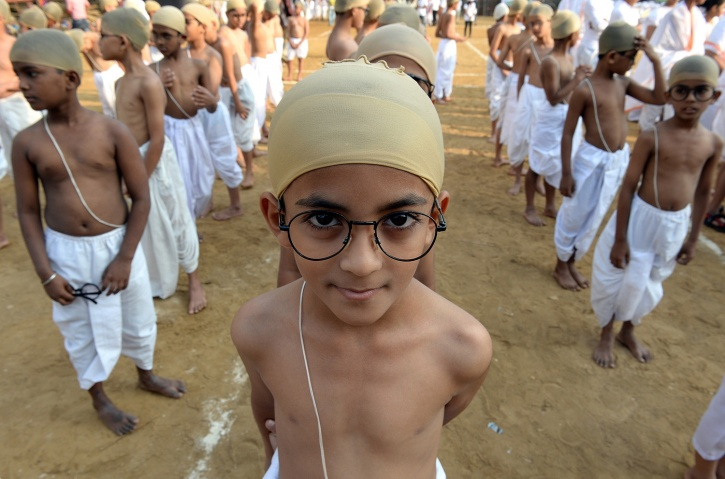 Indian children dressed as Gandhi