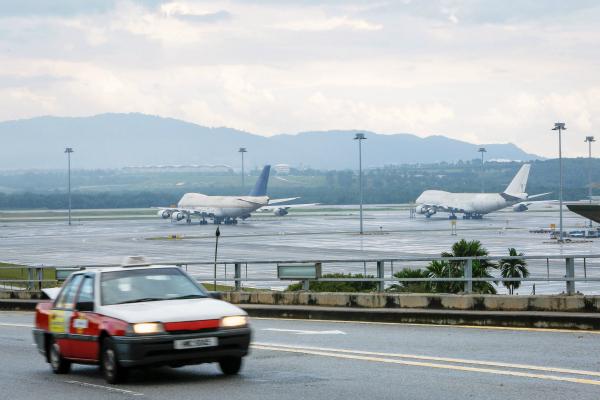 malaysia lost plane airport 2015 2