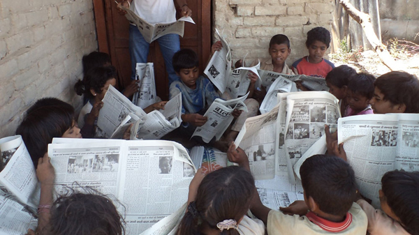 Kids reading Balaknama