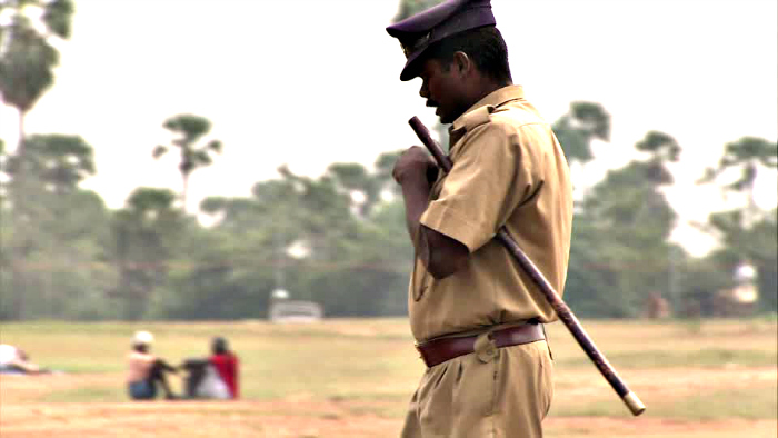 Hyderabad Cop Plays Dirty To Flirt With And Marry The Wife Of A Road Accident Victim, Gets Suspended