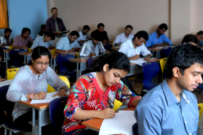 Agra Sets New Record In Education. 12000 Students Give B.Ed Exams, 20000 Pass Them