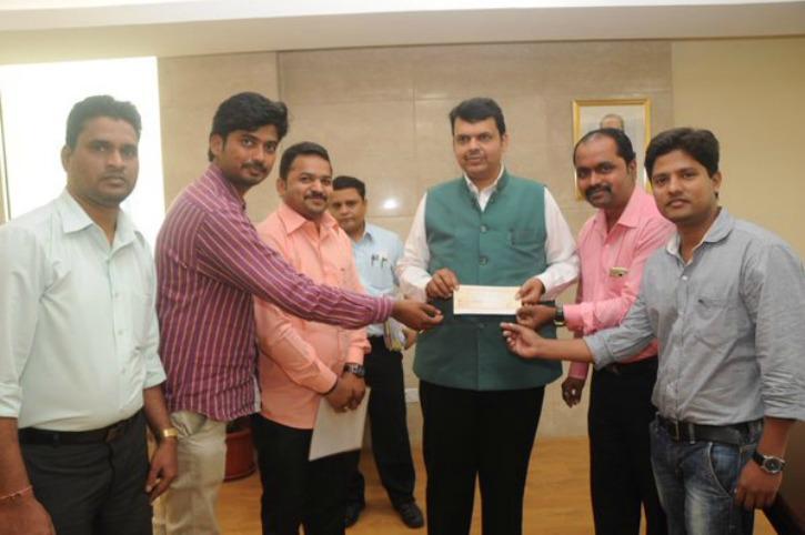 Mumbai Vada Pav Seller Donates Rs 20,000 For Drought-Hit Farmers