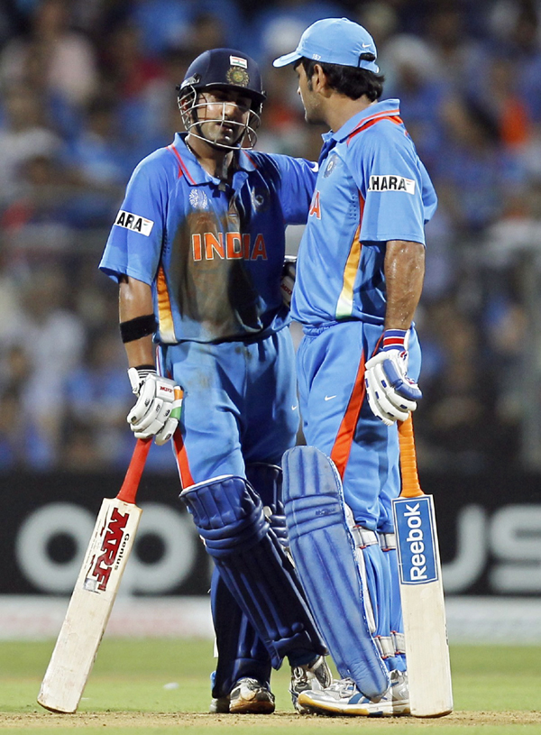 Gambhir batting with Dhoni during 2011 World Cup final