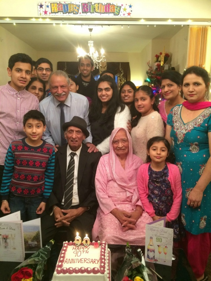 Punjabi couple celebrated 90th wedding anniversary.
