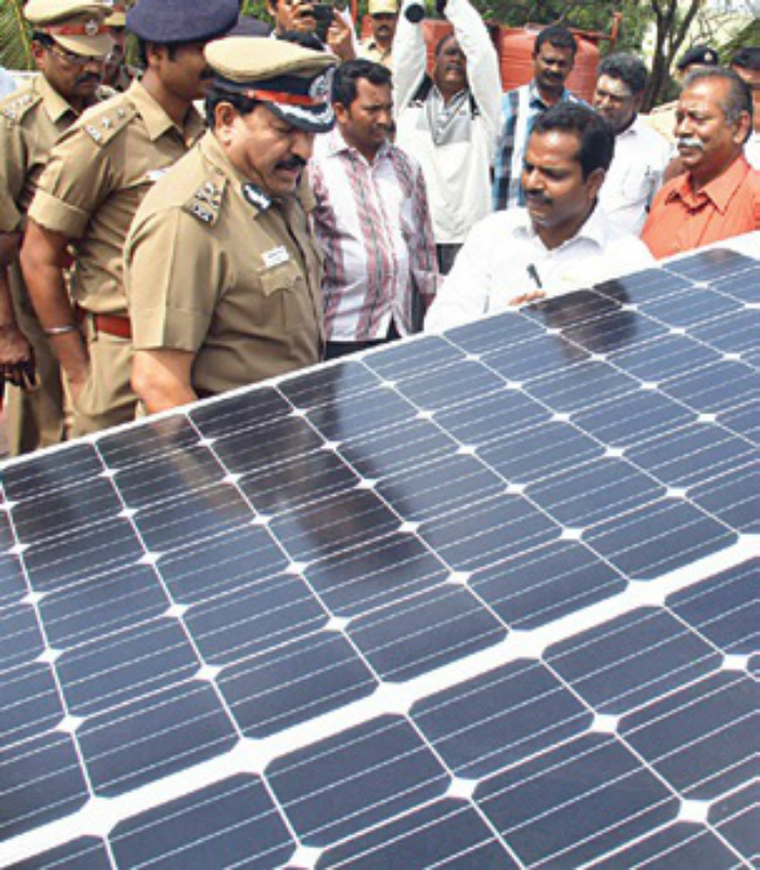 This Solar Powered Police Station Saves Almost 77% On Its Power Costs #CopsGoGreen