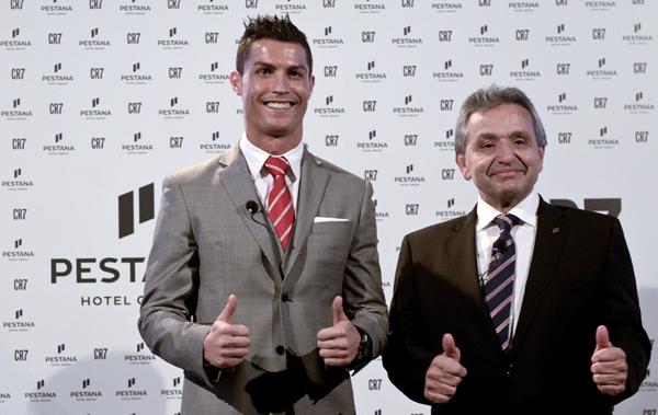 Ronaldo with Pestana