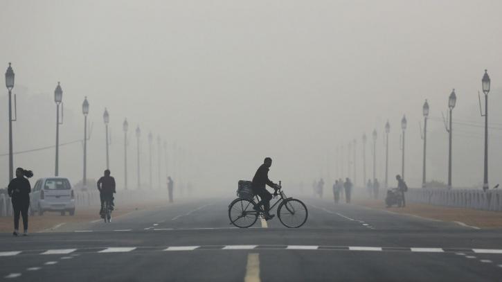 IIT-Kanpur Study Says Trucks, Road Dust Bigger Pollutants Than Cars In Delhi