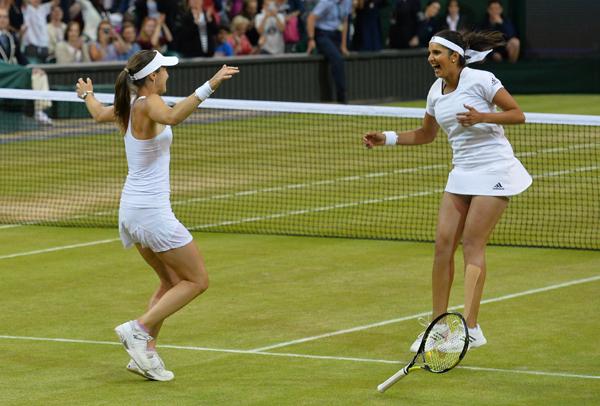 Sania and Hingis celebrate Wimbledon win