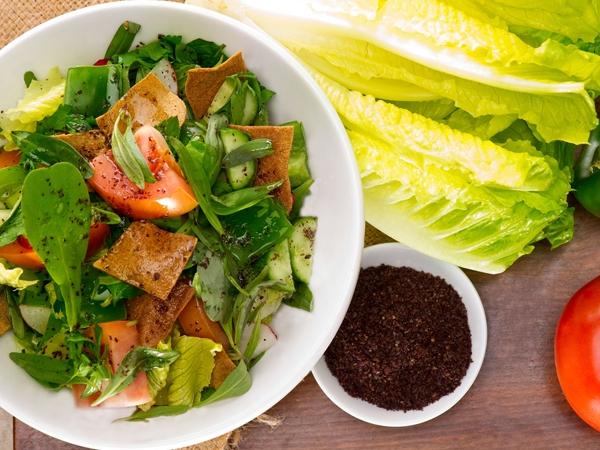 Healthy Lebanese Fattoush Salad