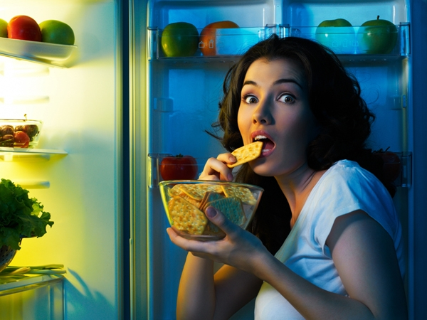 Late-Night Snacking Bad For Your Brain
