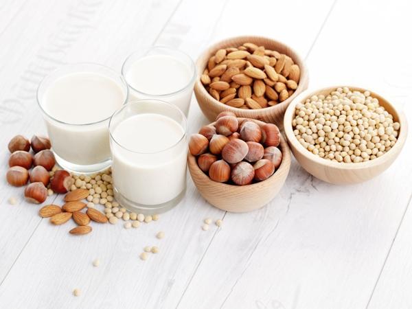 5 Healthy Alternatives To Dairy Milk