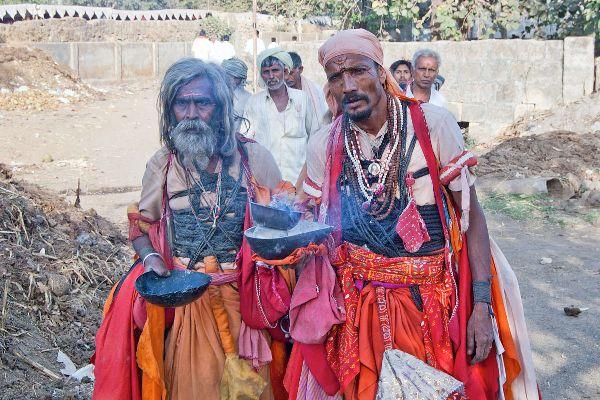 Alms seeker india