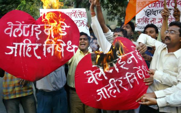 mumbai protests valentine's day