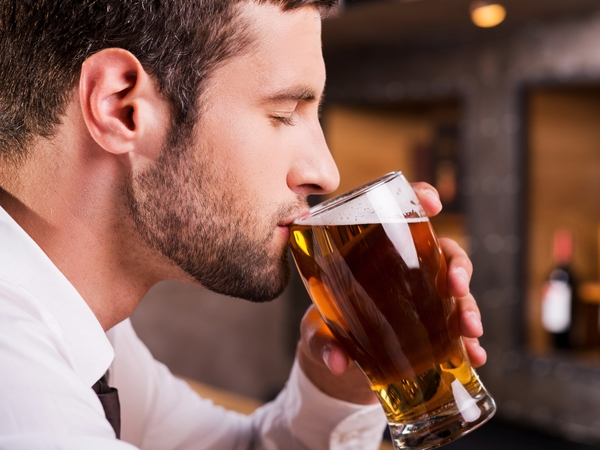 Beer Compound May Ward Off Alzheimer's