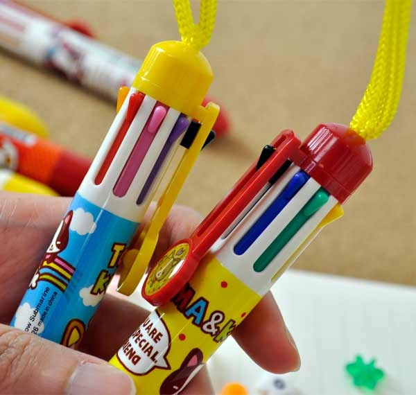 multicolored ball point pens