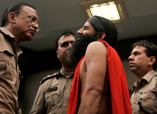 ramdev with police