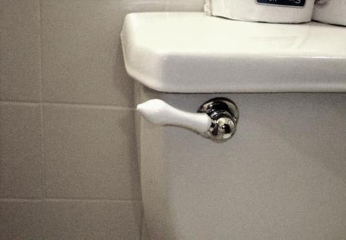 Flush tank
