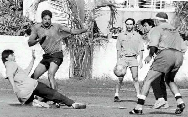 Kapil Dev, Shahrukh Khan and Sohail Khan playing football