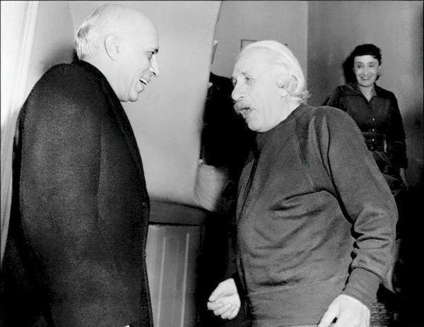 Jawaharlal Nehru with Albert Einstein