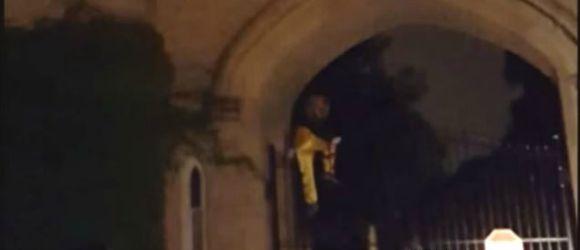 Creepy Waving Clown Terrifies People In California