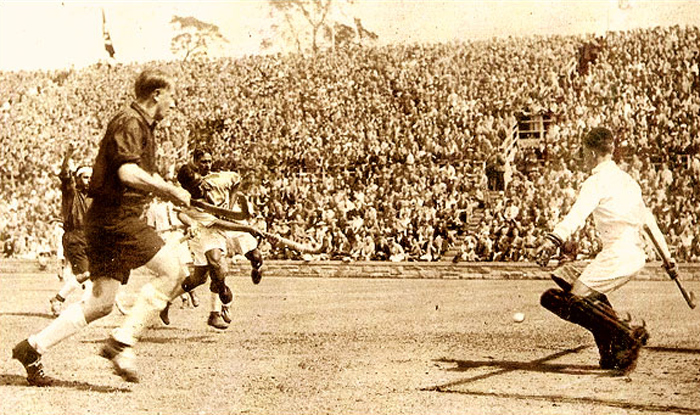 Dhyan Chand scored a total of 10 goals in the game against USA in the 1932 Olympics