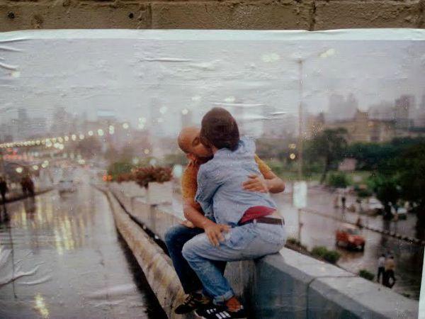 bandra couple kissing