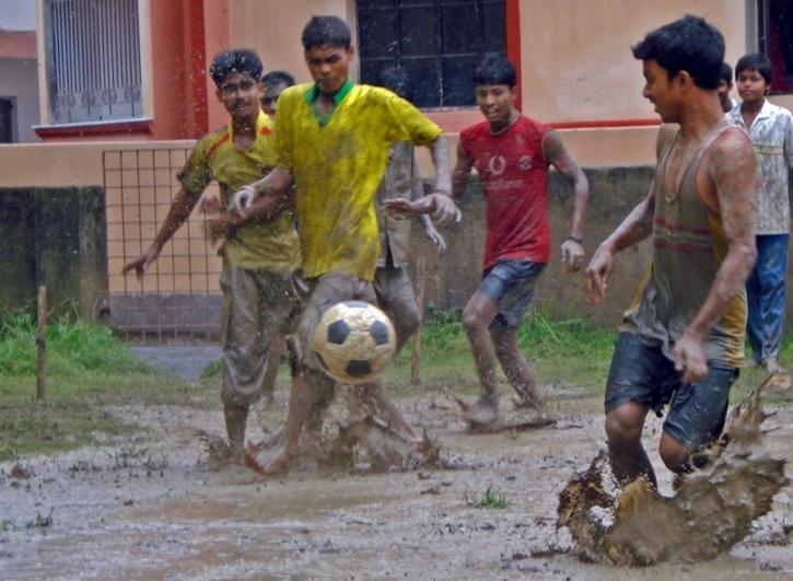 football kolkata rains