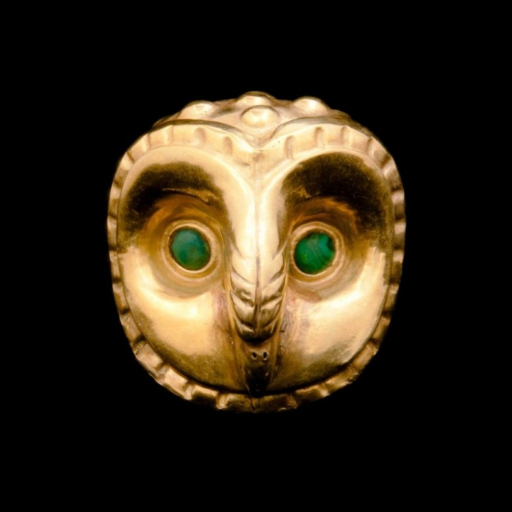 The golden Owl