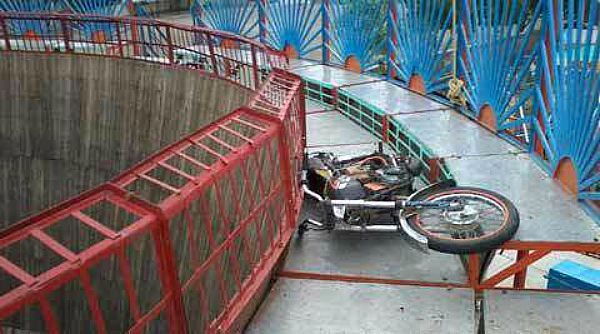 One Killed And Five Injured As Motorcycle Stunt Goes Wrong