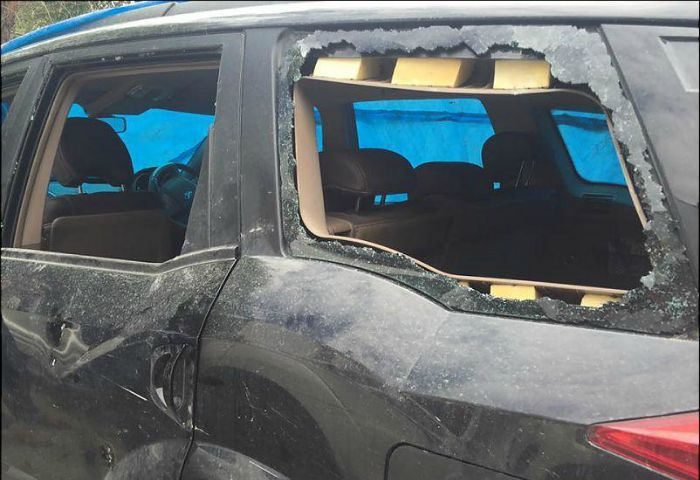 Tourist Vehicles Attacked In Leh