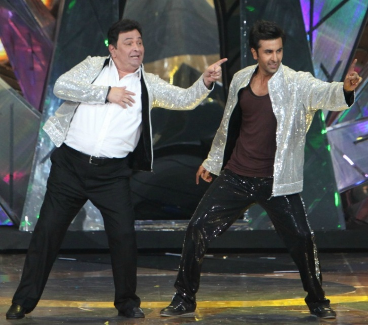 Rishi Kapoor Declares A Starined Relationship With His Son Ranbir Kapoor