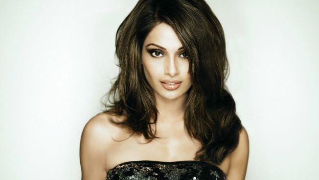 B-Town A-listers remember their first pay packet