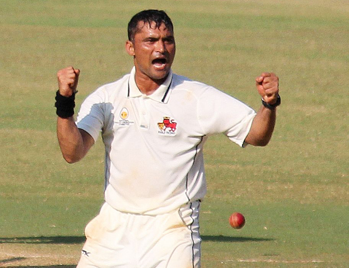 Hiken Shah made a spot-fixing offer to Pravin Tambe, the legspinner of Rajasthan Royals.