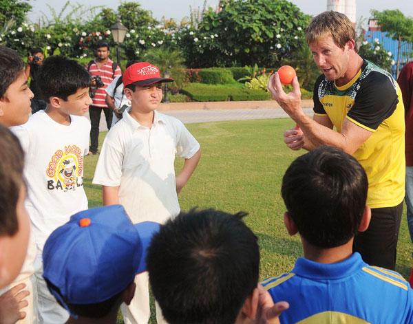 Jonty Rhodes with kids