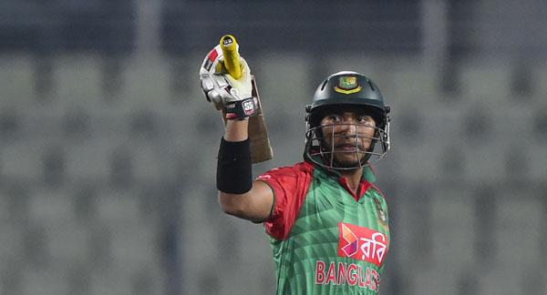 Soumya Sarkar raises his bat