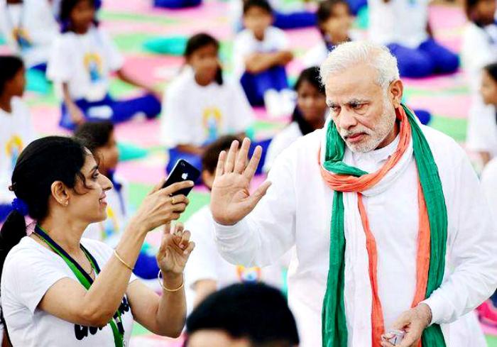 Modi refuses selfie on yoga day